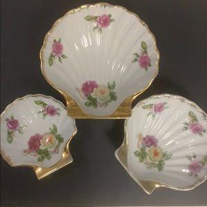Berkshire Fine China Set of 3 Shell Dishes